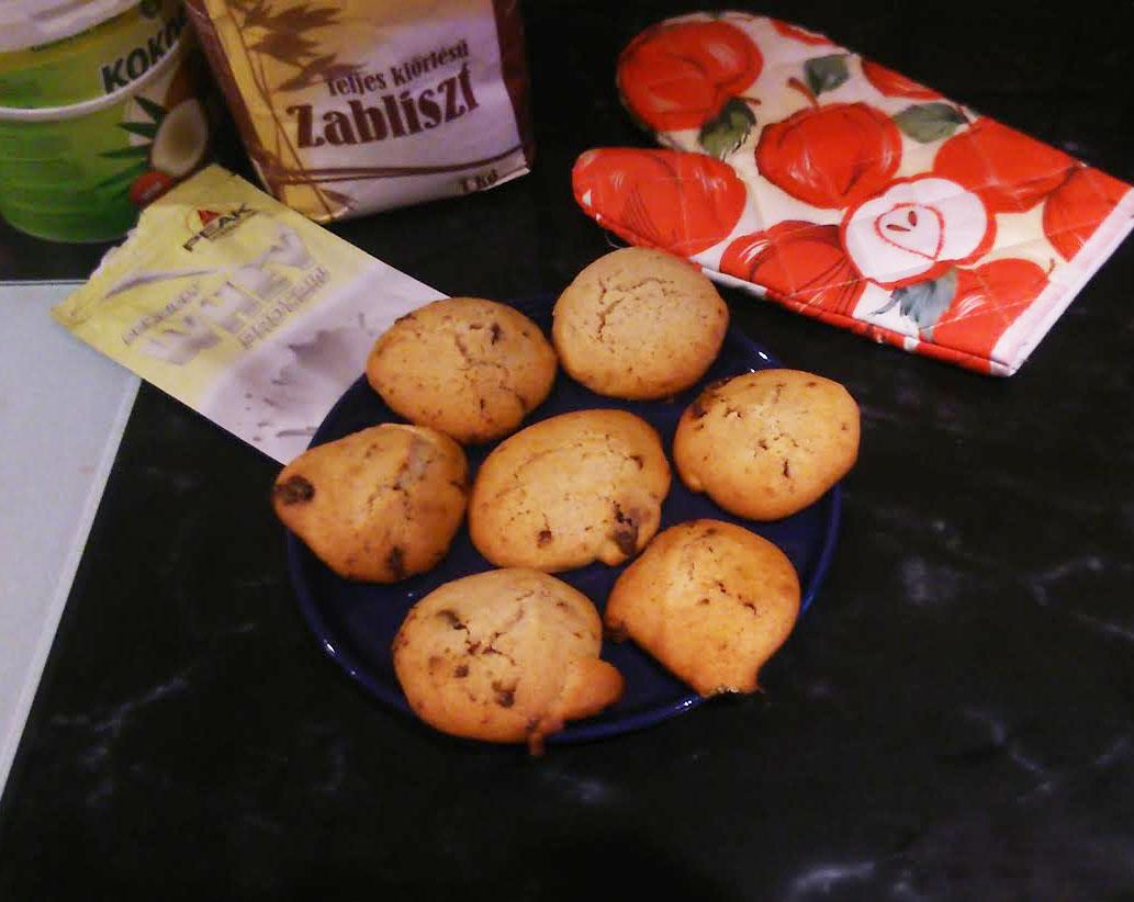 mogyoros_feherjes_cookie_teasutemeny