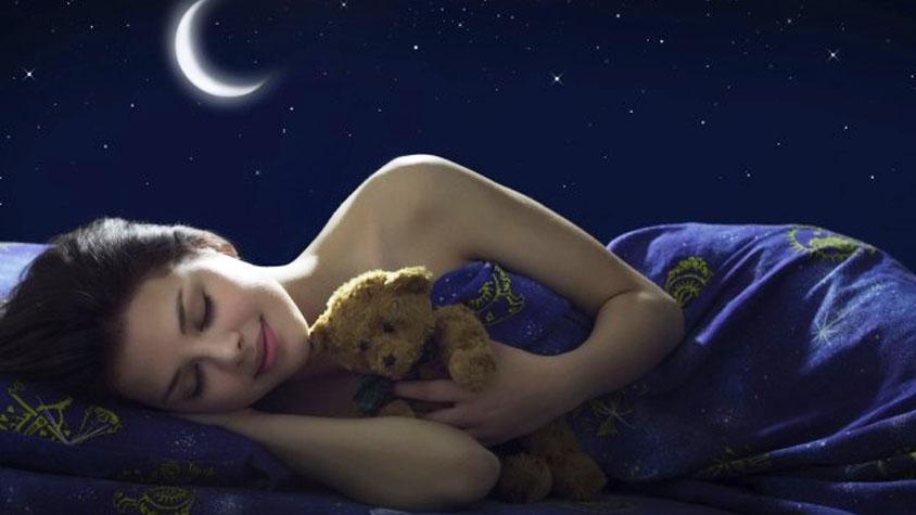 Ínycsiklandó ital a súlycsökkentéshez alvás közben
