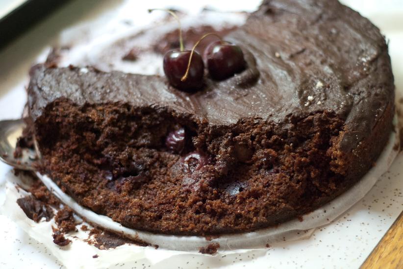 meggyes-piskota-csokis