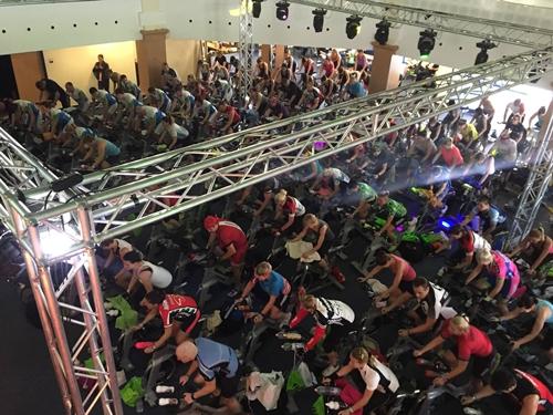 A FitBalance Magyarország fotója a 7 órás Spinning Maratonról