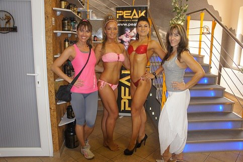 peak_girl_atalakitas_angi_mezo_monika_palatinus_tunde