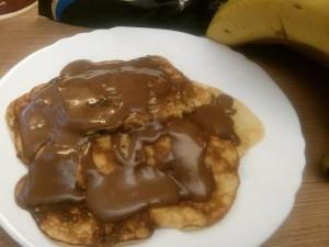 proteinpalacsinta_csokiontettel_recept
