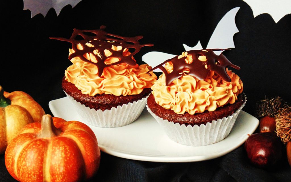 halloween_csokis_muffin_vanilias_krem-2
