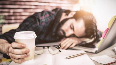 Így éld túl a délutáni fáradtságot az irodában!