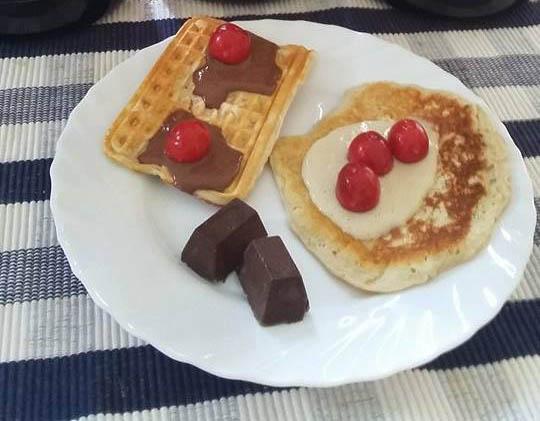 peak protein waffles feherje